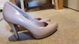 Nude heels size 4