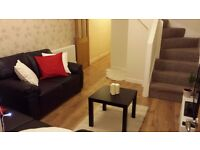Cosy Double A Stones Throw From QE
