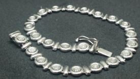 9ct Solid White Gold 0.25ct Solitaire Diamond Bracelet