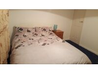 A double room to let in Clovenstone Area