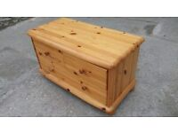 PINE TV STAND / SIDE DRAWERS