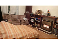 [COUPLES –CENTRAL FLAT-LEITH WALK-£520-September 1st onwards]