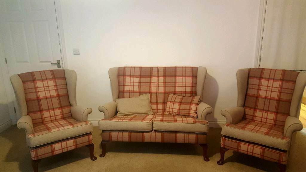 Traditional Parker Knoll - sofa and 2 armchairs.   in ...