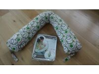 Dreamgenii Breast Feeding pillow