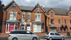 ONE BEDROOM**COUNCIL TAX & WATER RATES INCLUDED**CITY ROAD**KITCHEN AND SHOWER CUBICLE WITHIN ROOM