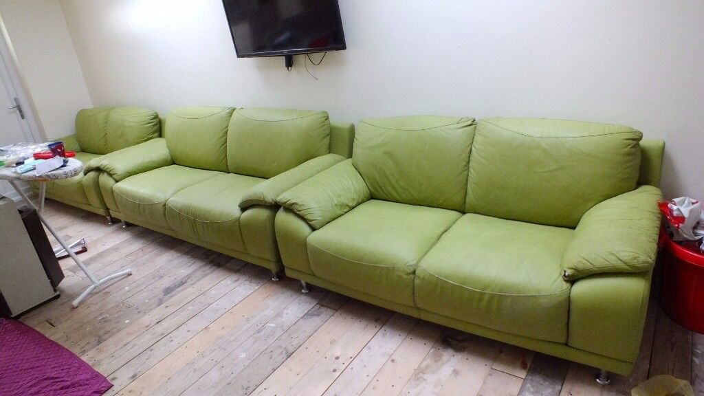 green leather sofa 3 pies