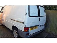 VW 2.5 tdi T4 TRANSPORTER. WHITE PANEL VAN. BARN DOORS. 2000 ,X REG. S.W.B. 88B.H.P.