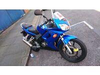Honda CBR 125 blue sports bike learner legal cbt low milage