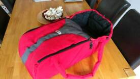Phil & Teds portable carry cot