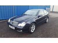 Mercedes C200 CDI diesel with 6 speed manual gearbox £850 no offers/firm price.