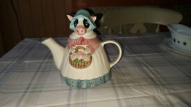 Collectable novelty teapot Mrs Cow