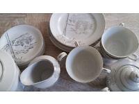Excellent condition tea set, 6 side plates, 6 teacups, 6 saucers, coffee pot, milk jug, sugar bowl.