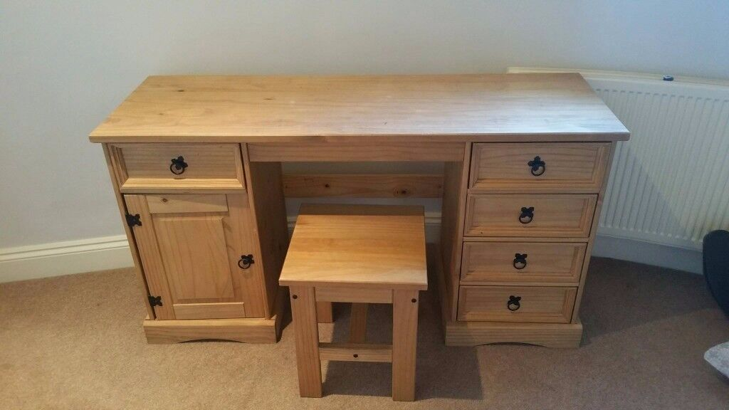 Real PINE WOOD desk with 4 drawers + and stool.