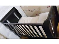 Very good condition used baby bed