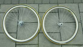 Campagnolo wheels racing road 700cc mavic rims