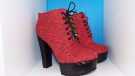 'Iron Fist' Island Vibe Lace Up Boots with 5 Inch Slim Block Heels Size 8/42 New!