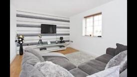 High spec furnished double room in modern apartment