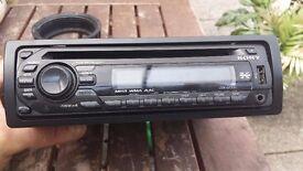 Sony CDX GT33 CD/ radio for car