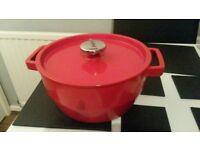Pyrex cast iron enamel casserole pot/ Slow Cooker- 3.6L (new/unused)