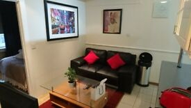 Super comfortable three bedroom apartment !! Hyde Park ( Four (4) beds ) CHEAP !