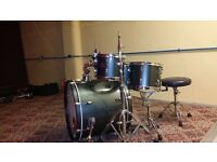 Pearl Export Drum Set with hardware and Cymbal Case