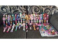 30 Monster High Doll Bundle *In VGC*