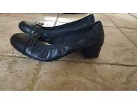 Clarkes ladies black shoes size 39