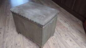 Sirrom chest, box