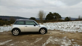Mini Cooper 2004 1.6 Chili pack, low low miles 59,000, air con, aux in,