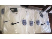 ENGLAND TOPS £20 bargain World Cup soon