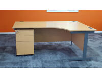 10 'L' shaped office desks & pedestals in good condition