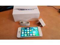 IPHONE 5 WHITE 16GB UNLOCKED + BOX