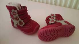 Pink baby boots size 4 C4
