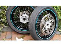 Suzuki DRZ 400 SM wheels