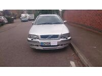 CLEAN VOLVO V40 CLASSIC SPORT, 2004, SILVER ESTATE, PETROL, LEATHER SEATS, MANUAL, AC, SEAT HEATING
