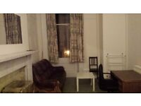 2 room flat near Glasgow Uni off Great Western Rd