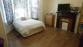 We've got a HUGE and SUPERB Double Room in Harlesden