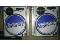 Custom Technics pair SL 1210 Mk5's (WHITE & BLUE) with flight cases & Deck safer