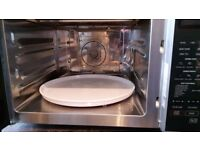 Sharp Microwave oven with grill and convection oven. 900 Watt. Large.