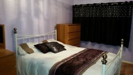 Lovely double room in Ashford