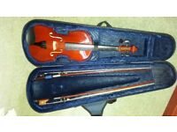 3/4 Primavera violin with a bow and hard case