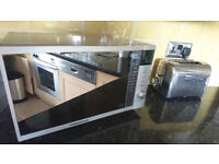 Microwaves Morphy Richards perfect condition BAIRGAIN