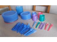HEAVY QUALITY PLASTIC DINING SET