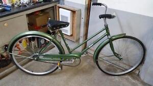 Vélo vintage ccm elan vert 1 vitesse roues 26po cadre 18po