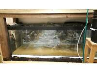Free 6ft fish tank with cracked base
