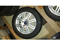 """Ford Focus Ghia Alloy Wheels 15"""" with very good tyres £160"""
