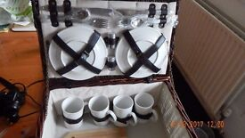 4 person Wicker Picnic Basket (Hamper) New condition £30.00
