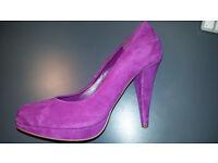 Woman's Suede DUNE Heels. Size 6 (39)