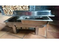 Full size chafing dishes with fuel folders