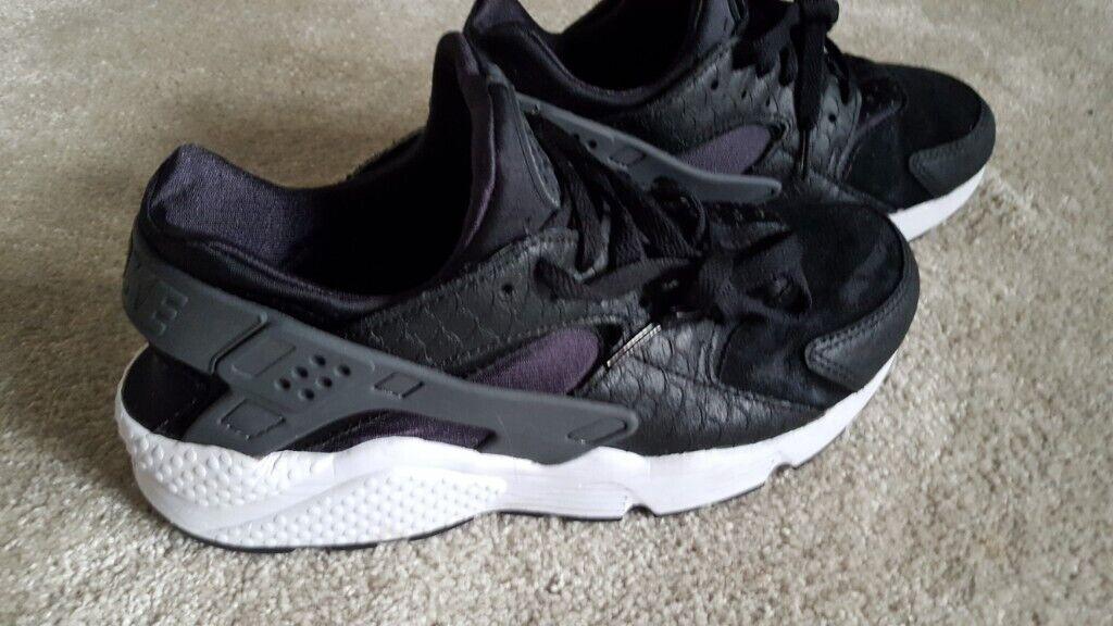 innovative design 1ad6c 03f73 NIKE Air Huarache Run PRM Men s Shoes Black Dark Grey White 704830-001  SELLS NEW FOR £55